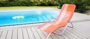 Jaká je ideální terasa k bazénu?